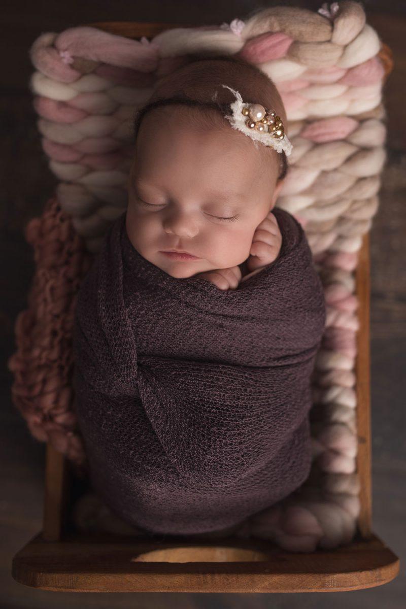 Newborn_neugeborene_babyfotograf_neugeborenefotografie_babygirl_fotografinluxembourg_babyfotograf
